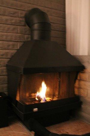 Cavalier Oceanfront Resort: Fireplace