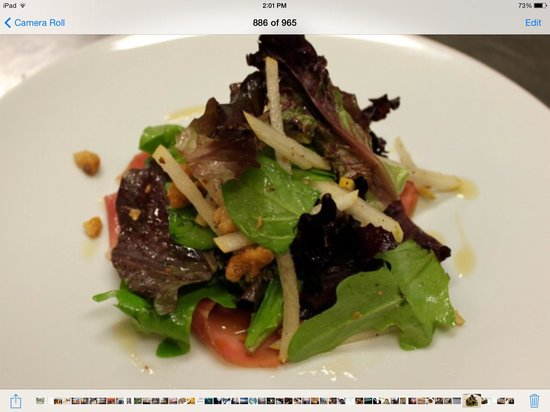 Pomodoro Trattoria & Wine Bar : mixed green salad, roasted red peppers, shaved parmesan, balsamic vinaigrette