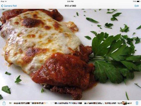 Pomodoro Trattoria & Wine Bar: veal parmesan & spaghetti pomodoro