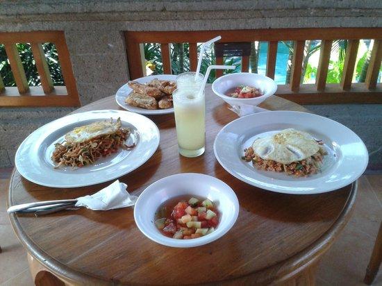 Villa Sonia: breakfast