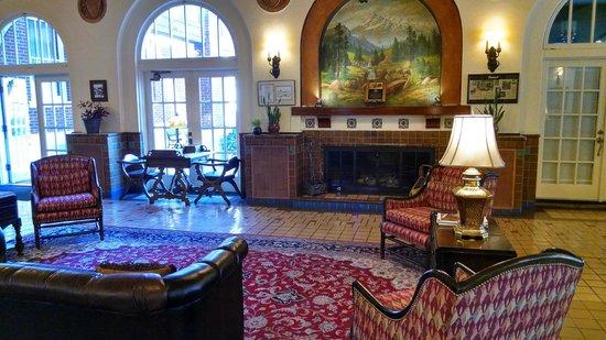 Hassayampa Inn : lobby