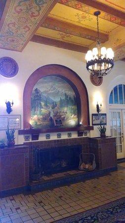 Hassayampa Inn: main room