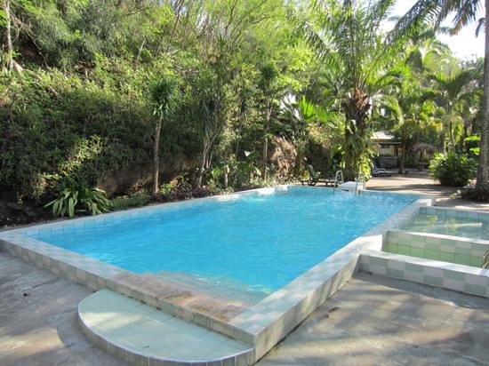 Sunset Bay Club & SeaSide Dive Center: la piscine