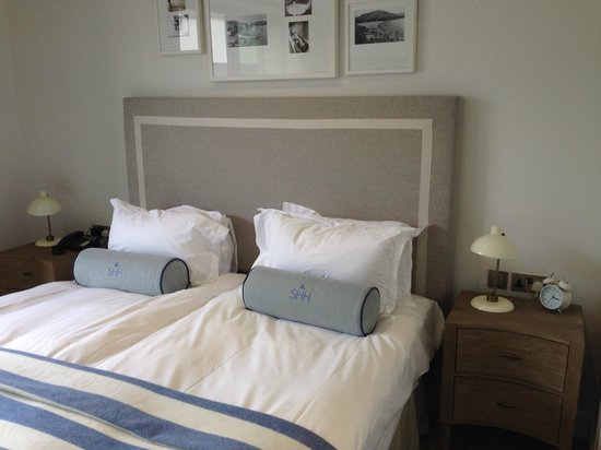Salcombe Harbour Hotel & Spa: Comfy bed