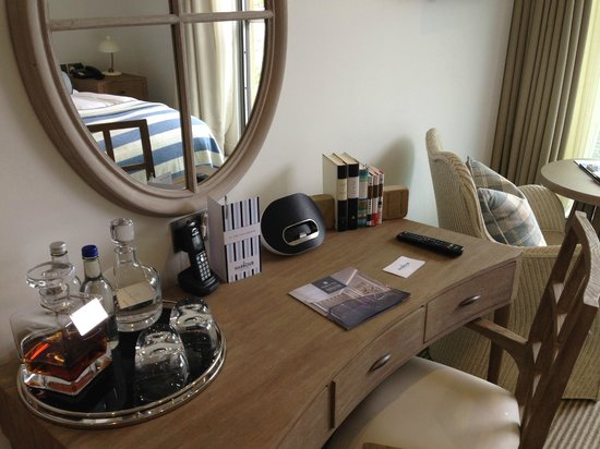 Salcombe Harbour Hotel & Spa: Guestroom