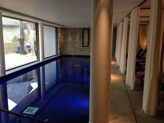 Salcombe Harbour Hotel & Spa: Spa pool