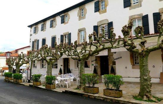 Hôtel-Restaurant Arraya : Extérieur