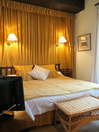Hôtel-Restaurant Arraya : Chambre Tradition