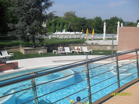Piscine foto di hotel terme preistoriche montegrotto - Terme preistoriche montegrotto prezzi piscina ...
