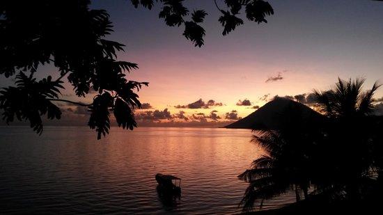 Bunaken Island Resort : uitzicht vanaf balkon!!