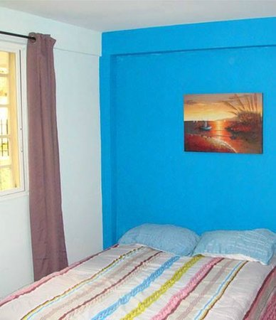 Bell Park View Guest House: Blue Room
