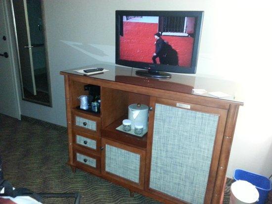 Holiday Inn Austin-Town Lake: armoire