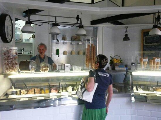 Tropical Ice Gelateria: Il negozio