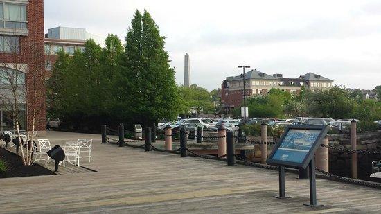 Residence Inn Boston Harbor on Tudor Wharf: Bunker Hill Monument