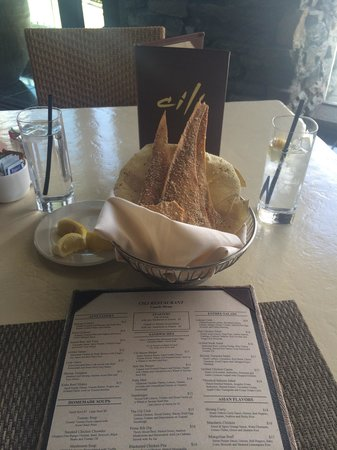 Cili: Complimentary Bread Basket