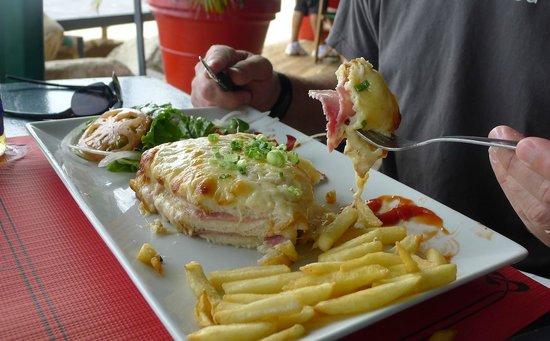 Friars Bay Beach Cafe: Le Crok Monsieur Maison