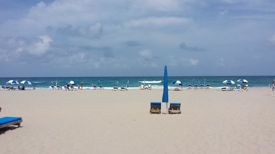 Palm Beach Shores Resort and Vacation Villas : Love the Beach.....