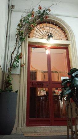 Hotel Masaccio : The entrance