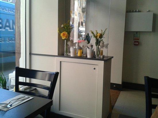 George Street Fish Restaurant & Chip Shop: decor inside
