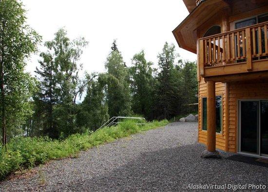 Salmon Catcher Lodge : Stair to kenai River