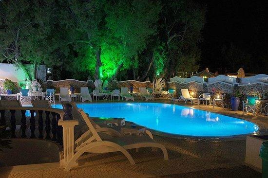 Samson's Village: Pool at night