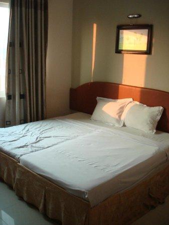 Hang Neak Hotel: Room