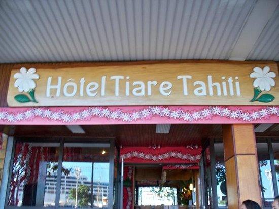 Tiare Tahiti Hotel: Hotel entrance