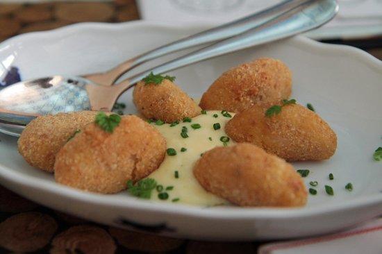 Taste Of Prague : Fried Cheese
