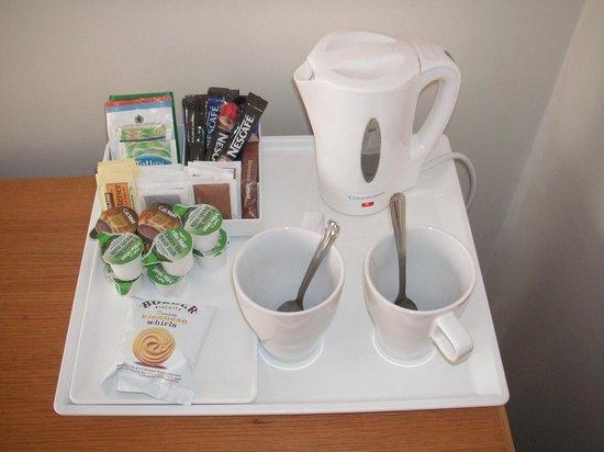 Sir William Fox Hotel: Tea and coffee