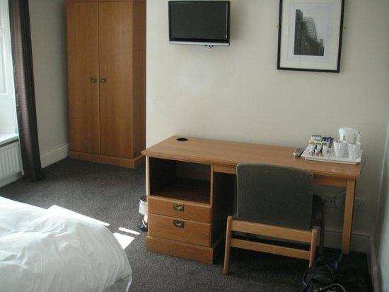 Sir William Fox Hotel: Room 22
