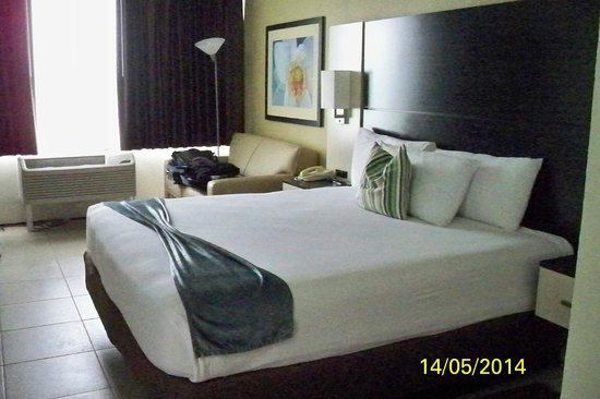 Park Inn By Radisson Resort and Conference Center Orlando: Comfy beds