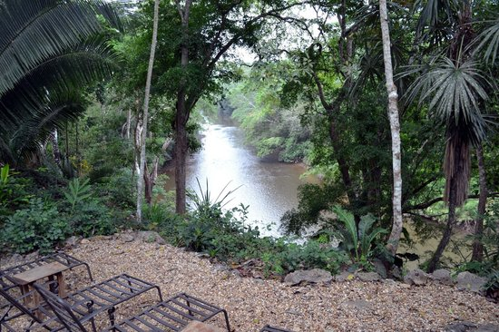 Mystic River Resort: View of the Macal River from dining area