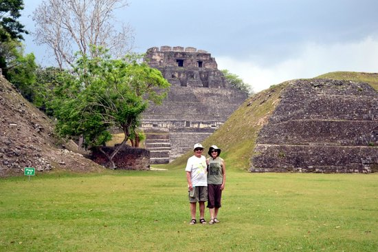 Mystic River Resort: Us at Xunantunich