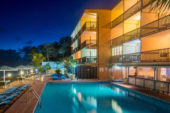 South Gap Hotel : Hotel Pool at Night