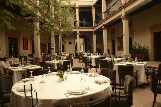 Orange bar picture of meson de santa rosa luxury hotel for Hotel luxury queretaro