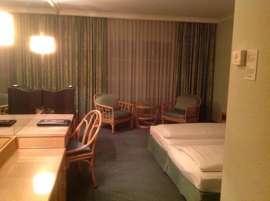 Austria Trend Eventhotel Pyramide : double room