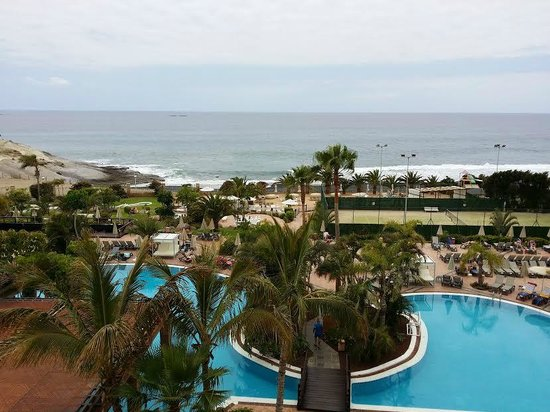 H10 Costa Adeje Palace: Gardens and sea from the room