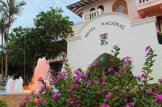Gran Hotel Nacional: FACHADA