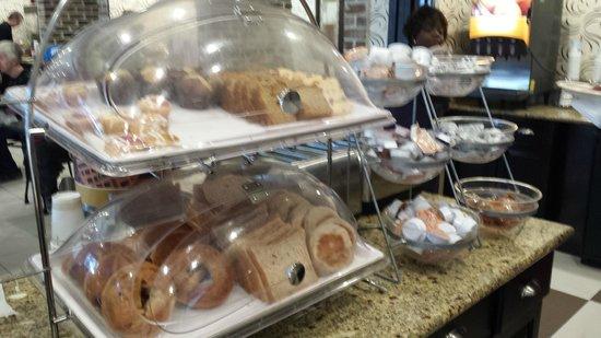 Hampton Inn Savannah - Historic District: other goodies