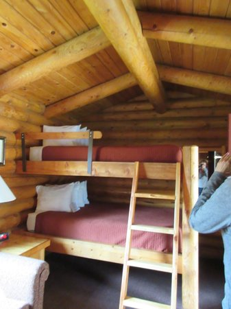 Cowboy Village Resort : Queen size bunk beds