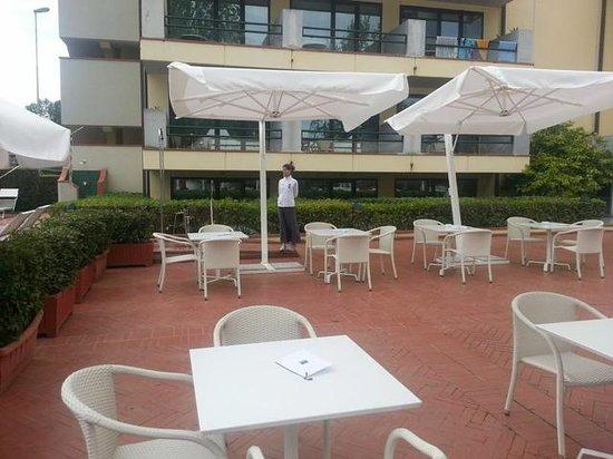 UNA Hotel Forte dei Marmi : pool bar