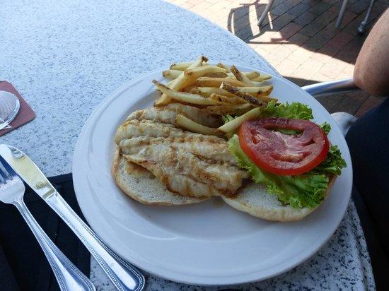 Dry Dock Waterfront Grill: Grouper sandwich