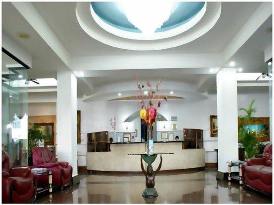Gran Hotel Nacional : LOBBY