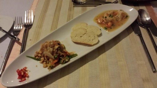 4 Rivers Floating Lodge: Evening Meal- starter