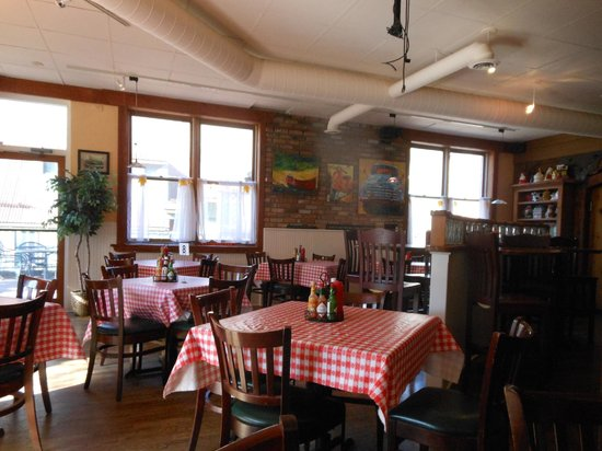 Maggie's Bakery & Cafe : Dining area