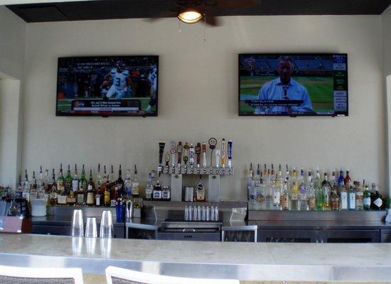 Salt Rock Tavern: main bar inside