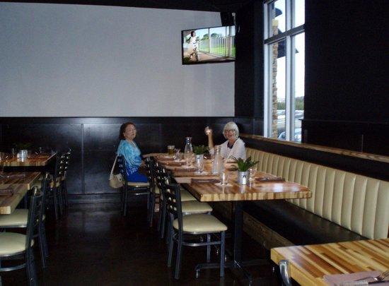 Salt Rock Tavern: front dining area
