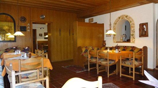 Hotel Waldmann: Area for breakfast.