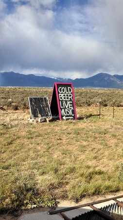 Taos Mesa Brewing: The sign we could not pass.