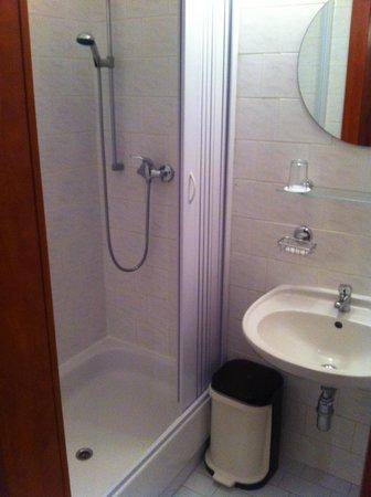 Hotel Olympik Tristar: bathroom